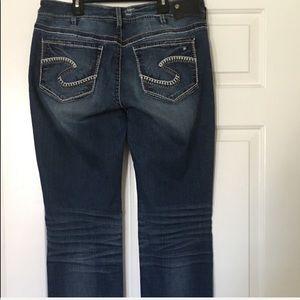 """Silver Jeans""Suki  Fluid Mid straight size w33/32"
